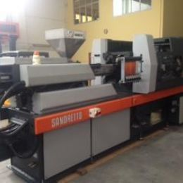 Used injection machinery Sandretto 8/150